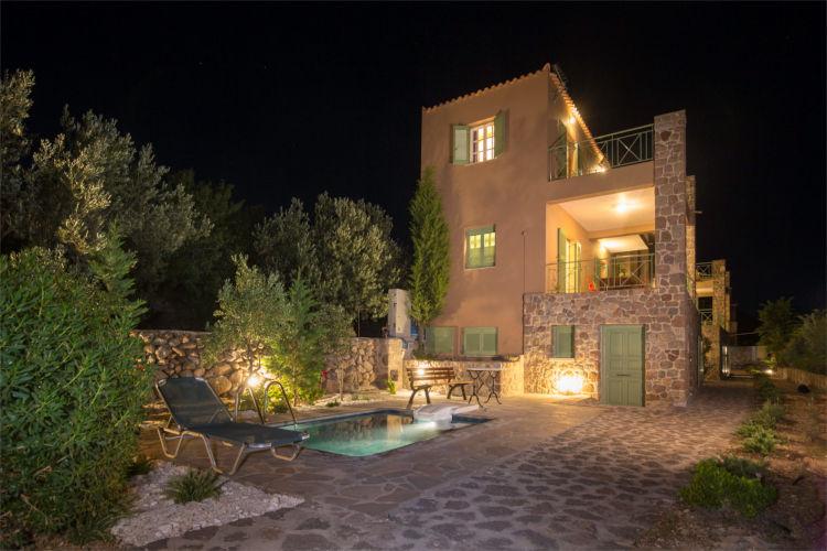Aegina-Colours-Villa-Carmina-Aegina-by-Upgreat-Hospitality-exteriot-night